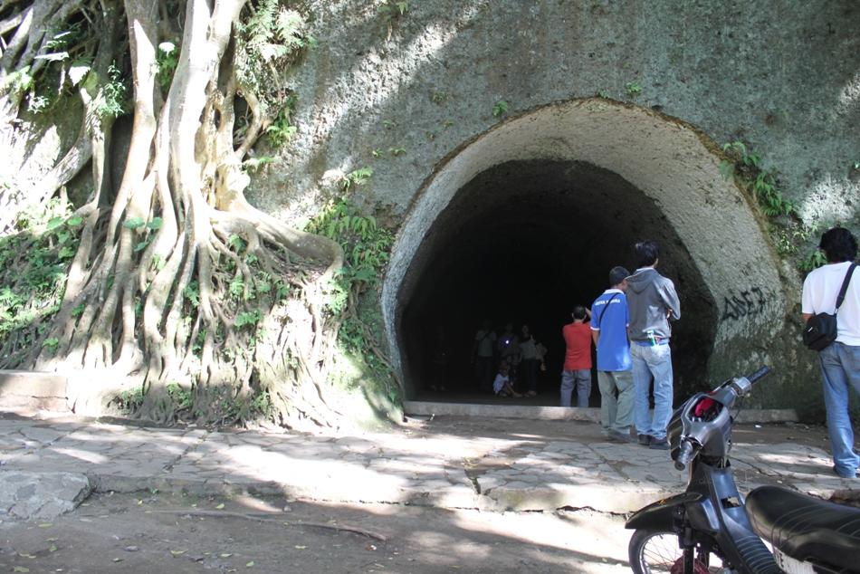View Goa Belanda Tampak Depan
